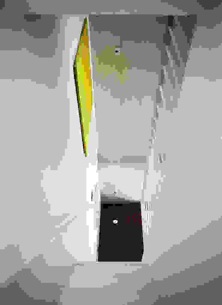 Stairs 現代風玄關、走廊與階梯 根據 鄭士傑室內設計 現代風