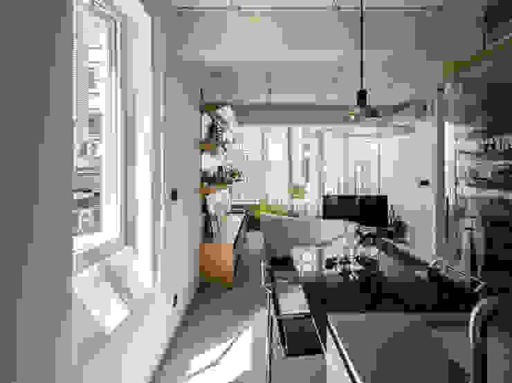 Kitchen + Dining Room + Living Room 現代廚房設計點子、靈感&圖片 根據 鄭士傑室內設計 現代風