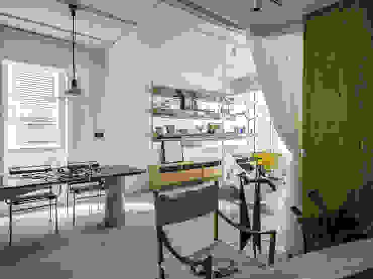Indoor Green Room + Dining Room Modern Dining Room by 鄭士傑室內設計 Modern