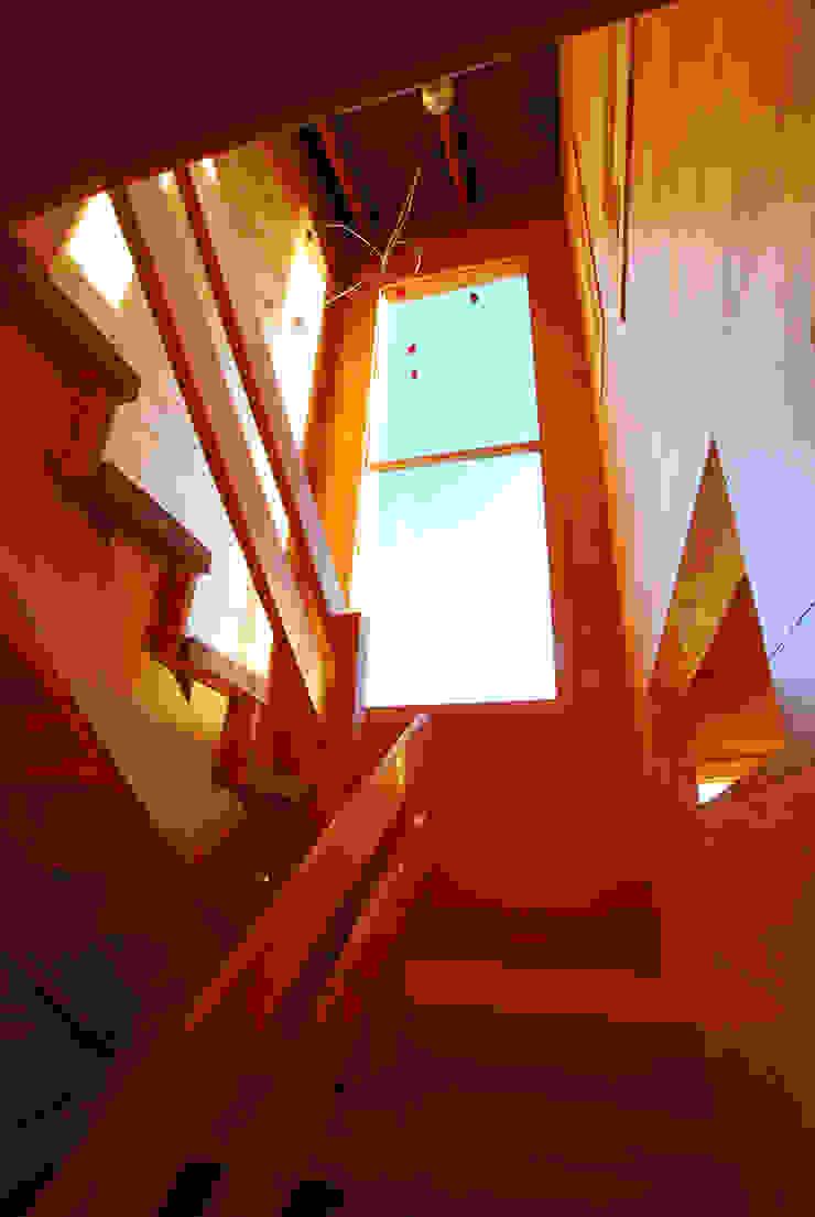 Casa Muelle Pasillos, halls y escaleras rurales de Jonás Retamal Arquitectos Rural Madera Acabado en madera