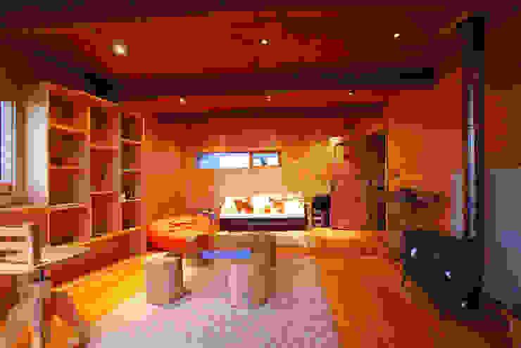 Casa Muelle Oficinas y bibliotecas de estilo rural de Jonás Retamal Arquitectos Rural Madera Acabado en madera