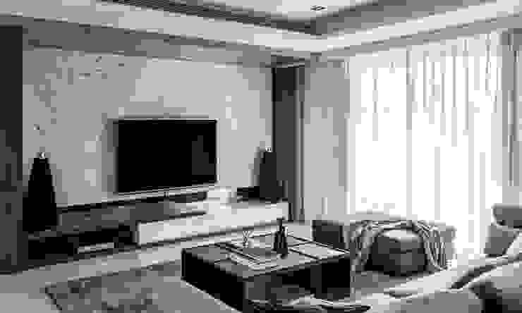 Ruang Keluarga Modern Oleh 双設計建築室內總研所 Modern