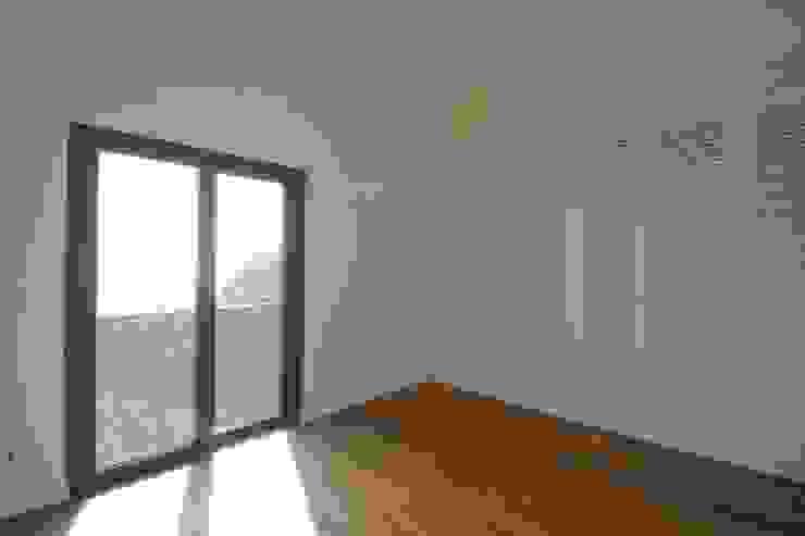 غرفة نوم تنفيذ Mayer & Selders Arquitectura,
