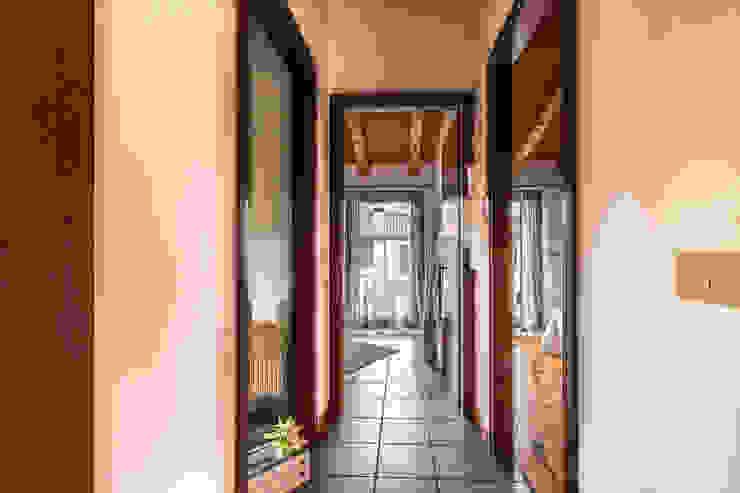 鄉村風格的走廊,走廊和樓梯 根據 MICHELA AMADIO - Valorizza e Vendi 田園風