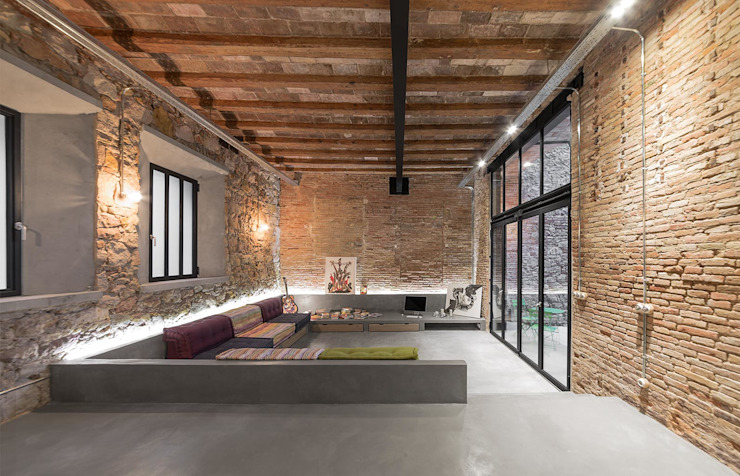 Salon de style  par N.A. Construcción, Rustique Briques