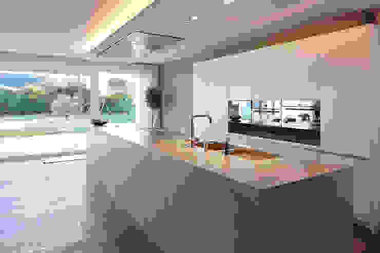 Кухня в стиле модерн от Lioba Schneider Модерн