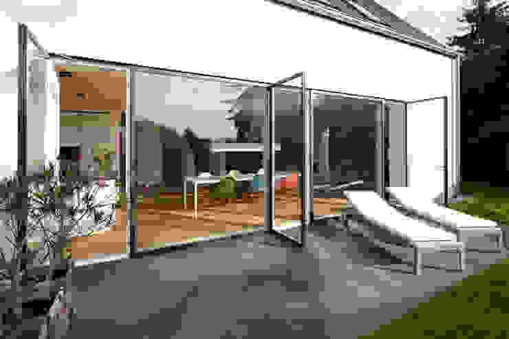 Moderne huizen van Lioba Schneider Modern