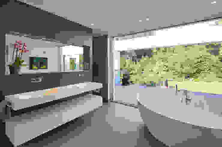 Villa S. Lioba Schneider Architekturfotografie Moderne Badezimmer