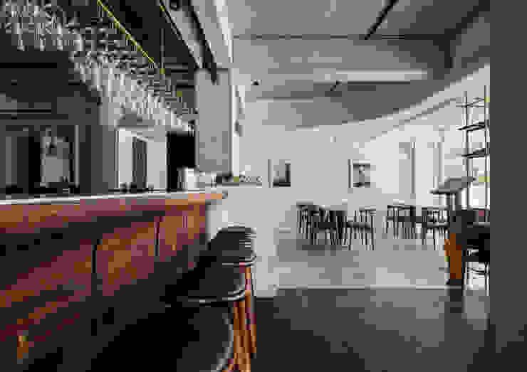 Bar + Dining Area 根據 鄭士傑室內設計 現代風
