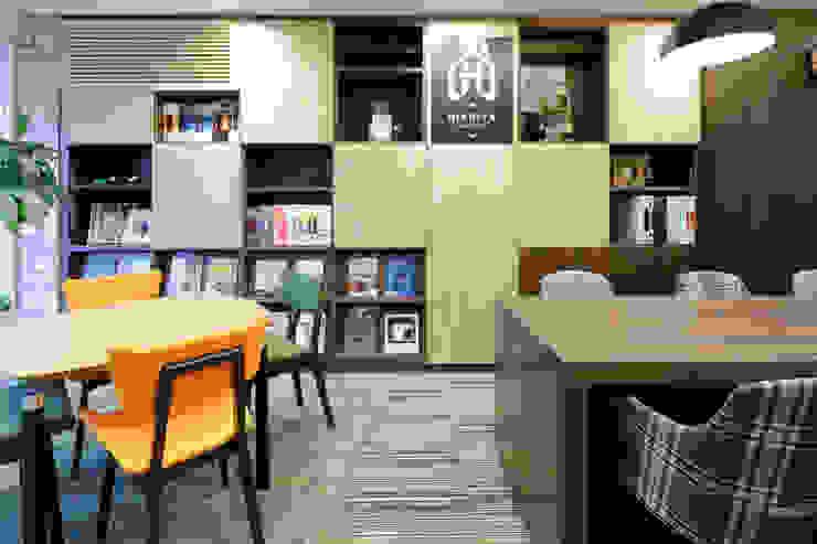 株式会社Juju INTERIOR DESIGNS Oficinas y Tiendas Madera Verde
