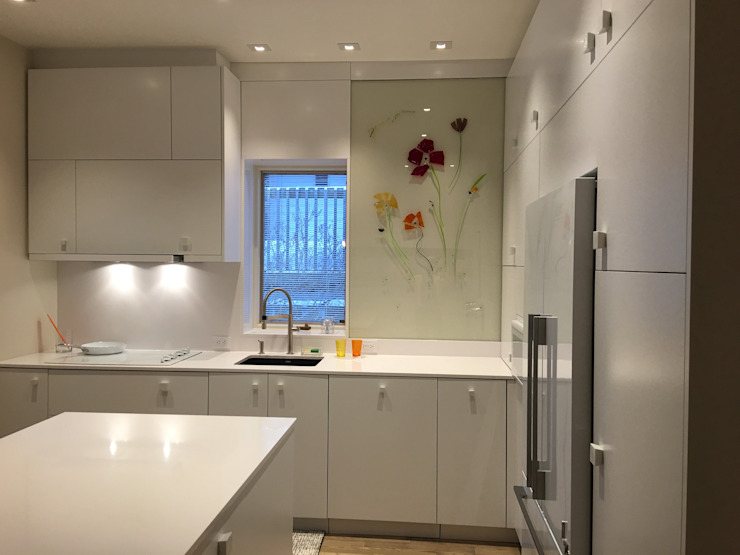 Fourth Ave. Modern kitchen by USER WAS DELETED! Modern