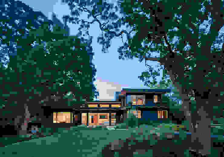 Casas estilo moderno: ideas, arquitectura e imágenes de Feldman Architecture Moderno Madera Acabado en madera