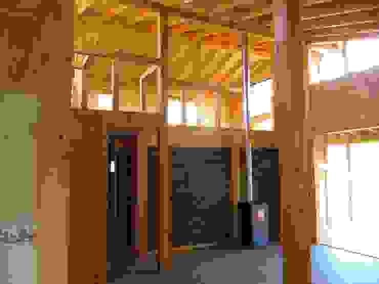Estudios y oficinas rústicas de Proyecto ARQ Rústico