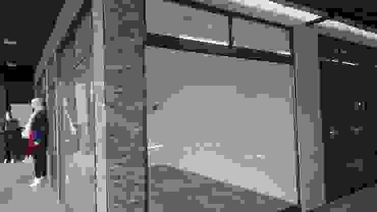 Centro Comercial 14 de Inmobiliaria C & P Moderno