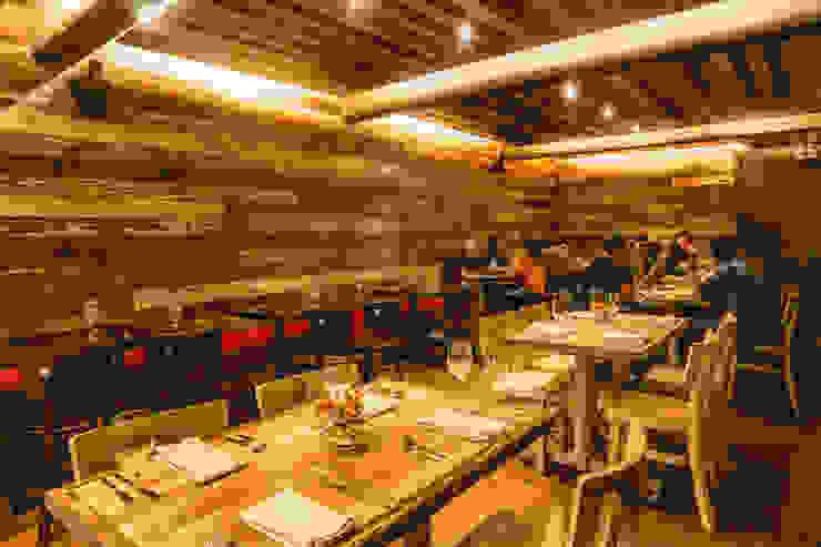 Restaurant Chullpi - Machupicchu Comedores de estilo moderno de FRANCO CACERES / Arquitectos & Asociados Moderno