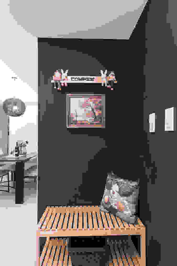 黑板牆 斯堪的納維亞風格的走廊,走廊和樓梯 根據 你你空間設計 北歐風