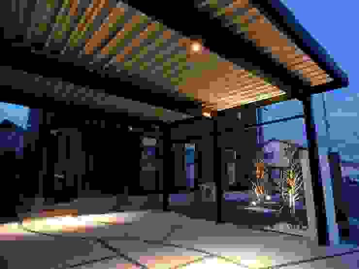 Modern garage/shed by エクステリアモミの木 | エクステリア&ガーデンデザイン専門店 Modern