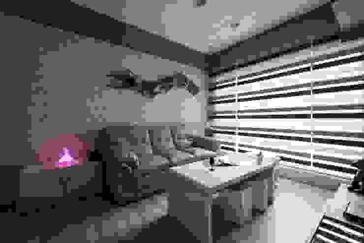 客廳 你你空間設計 现代客厅設計點子、靈感 & 圖片