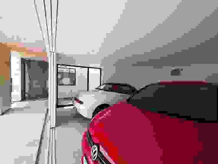 イシウエヨシヒロ建築設計事務所 YIA Подвійний гараж Бетон Білий
