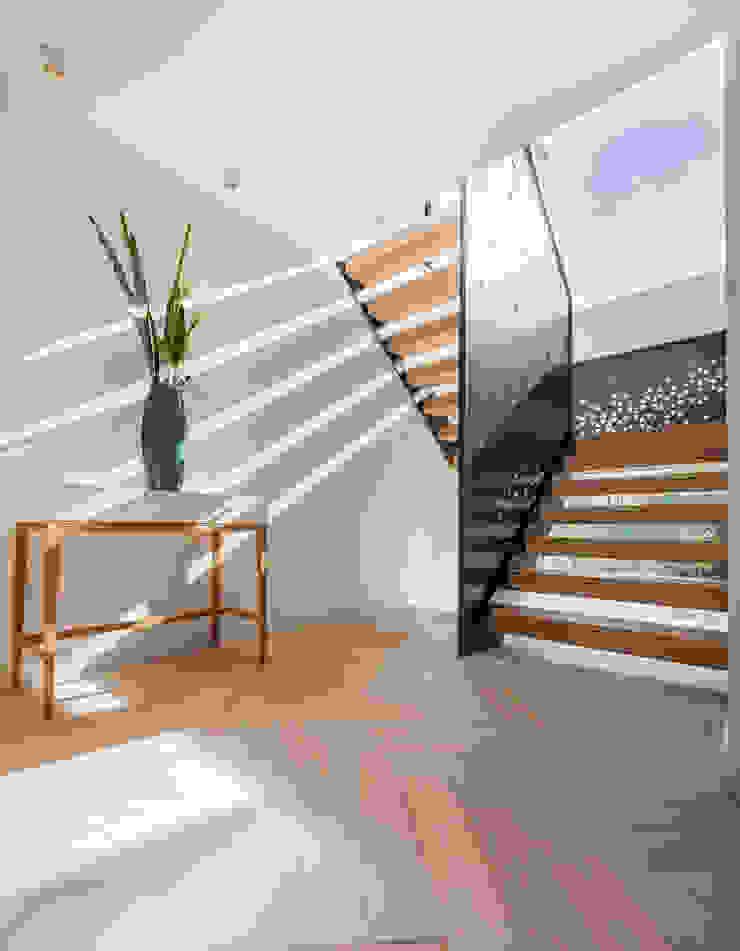 Wick Lane, Christchurch By Jigsaw Interior Design Pasillos, vestíbulos y escaleras de estilo moderno de Jigsaw Interior Architecture Moderno Metal