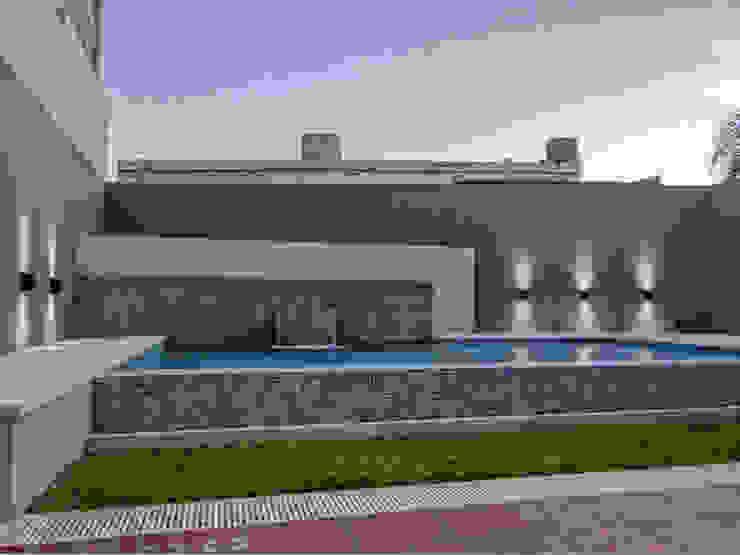 DESPUÉS DEL PROYECTO de D'ODORICO arquitectura Moderno