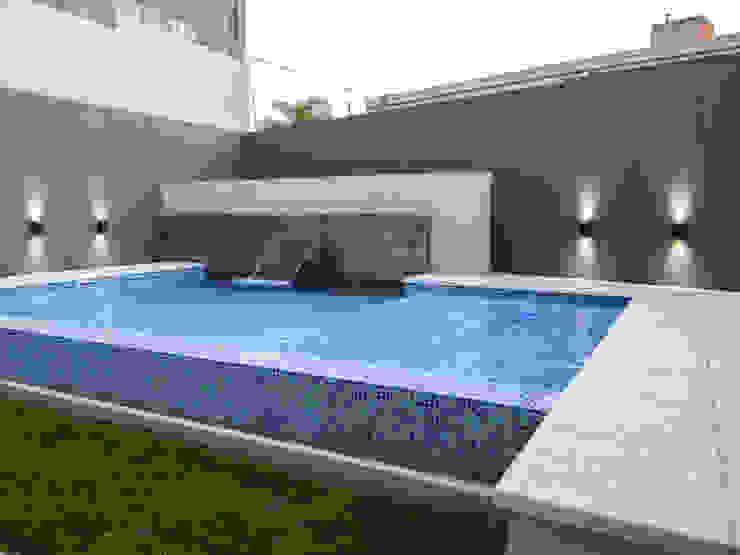 Hồ bơi phong cách hiện đại bởi D'ODORICO arquitectura Hiện đại
