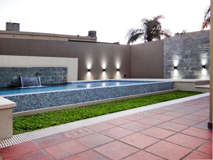 REFORMA Piletas modernas: Ideas, imágenes y decoración de D'ODORICO arquitectura Moderno
