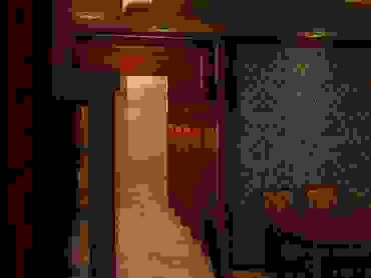 القصر للدهانات والديكور Couloir, entrée, escaliers classiques Marron