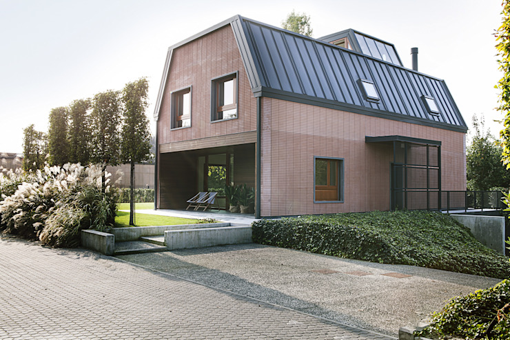 Casas modernas de Moretti MORE Moderno