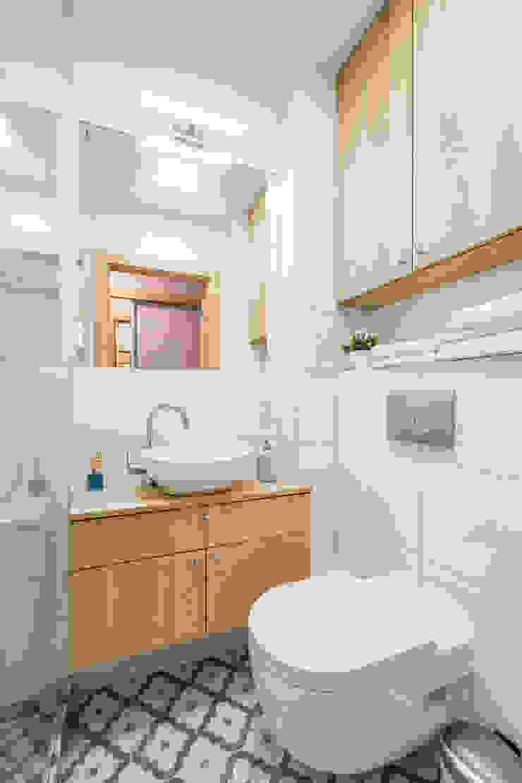 스칸디나비아 욕실 by jw architektura 북유럽