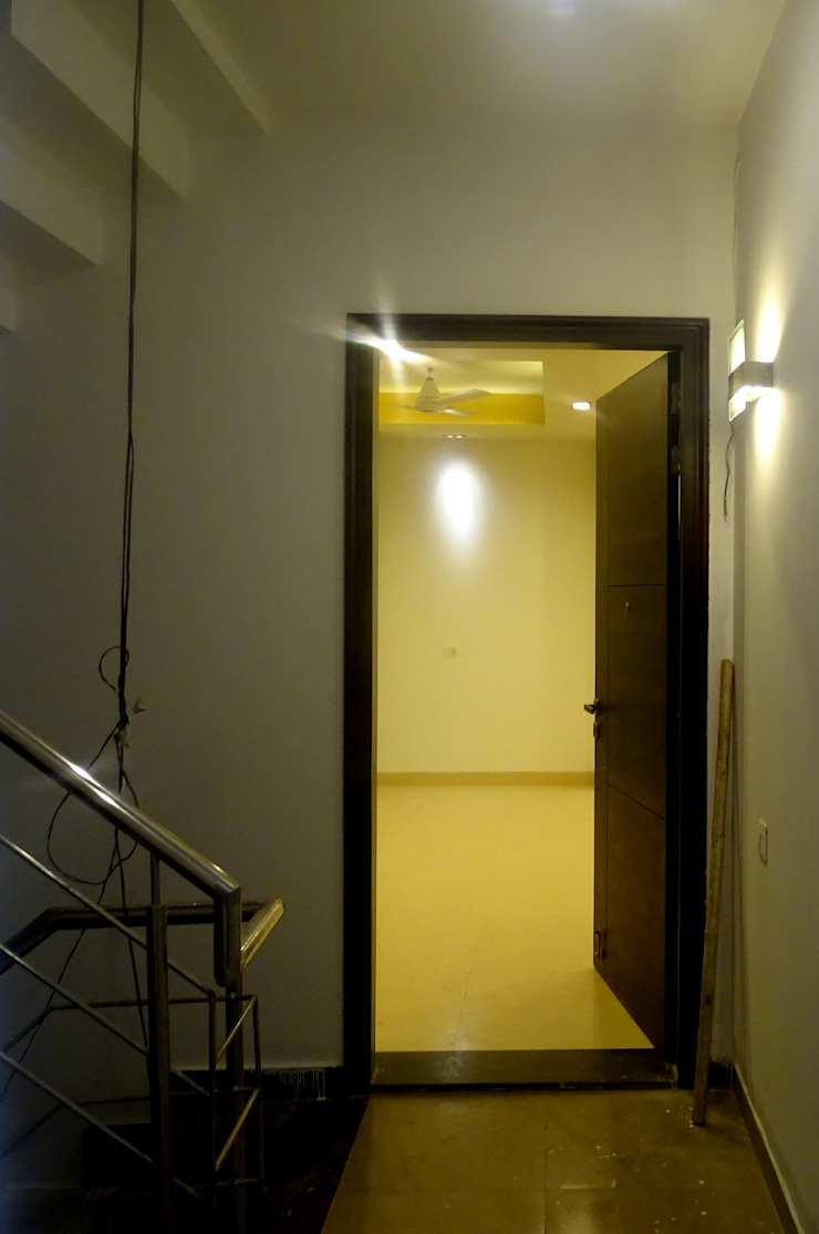 The Big 99 Modern corridor, hallway & stairs by INXUS Constructions Modern