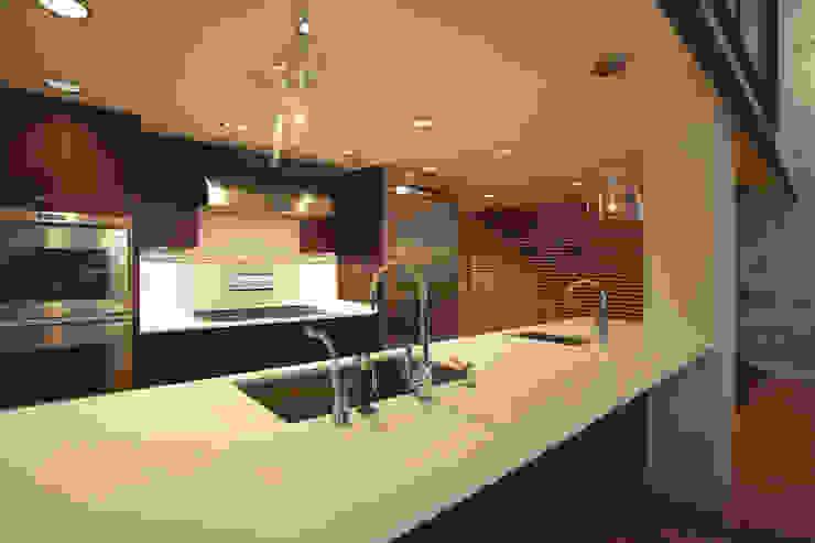 Peabody Loft and Studio Modern Kitchen by SA-DA Architecture Modern