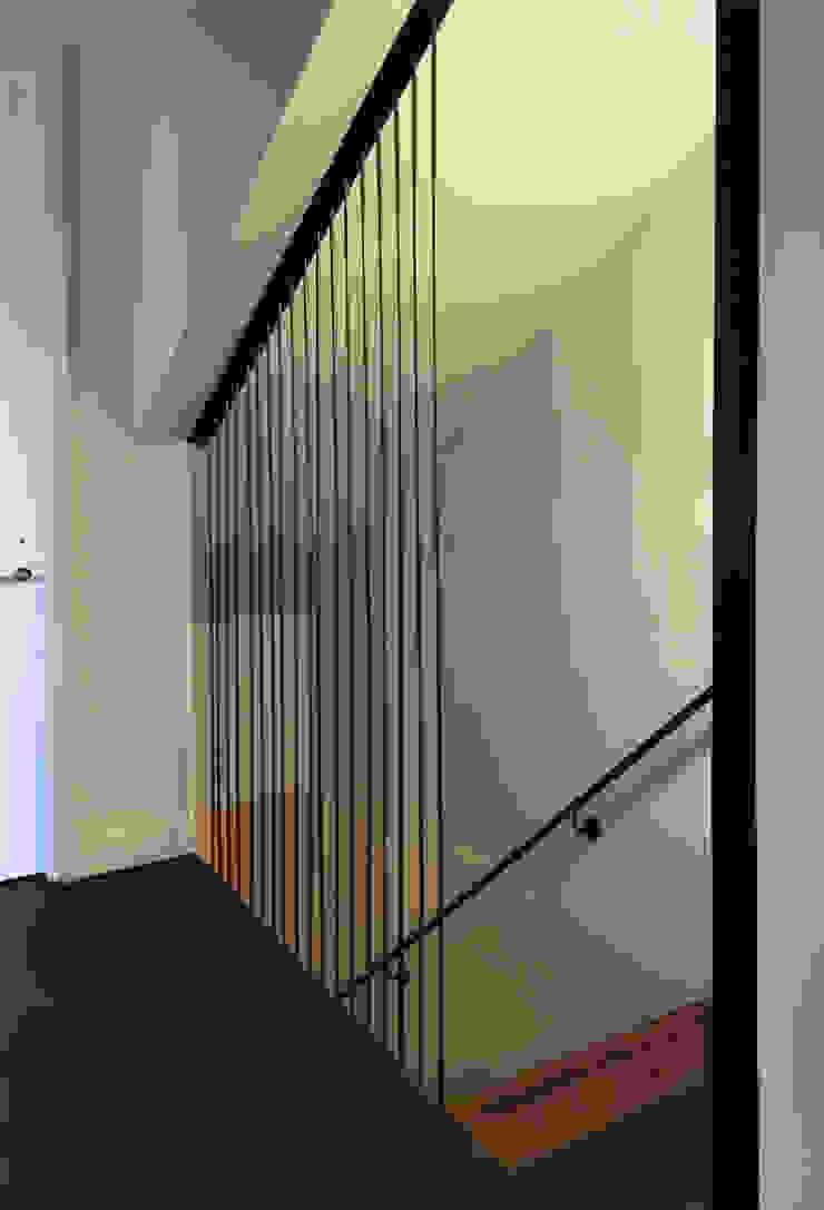 Couloir, entrée, escaliers modernes par SA-DA Architecture Moderne