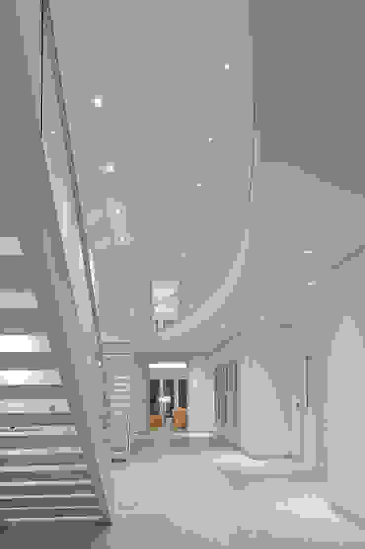 راهرو مدرن، راهرو و راه پله توسط SA-DA Architecture مدرن