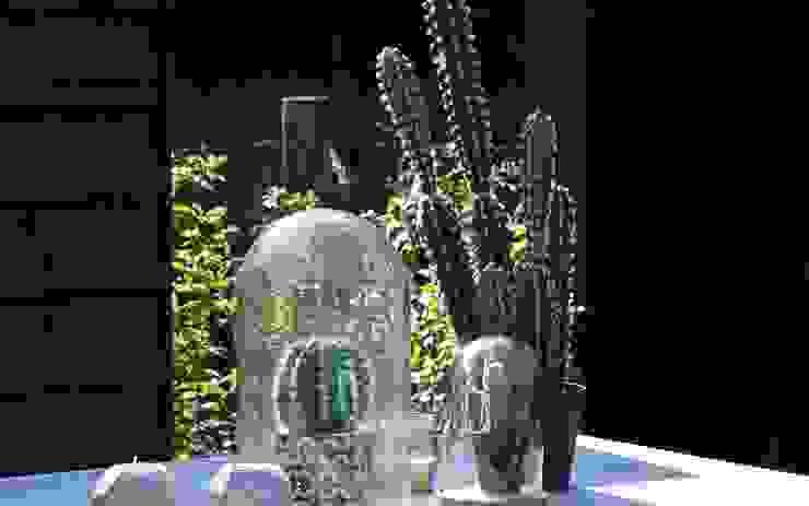 decoratie in de tuin Moderne tuinen van Stoop Tuinen Modern