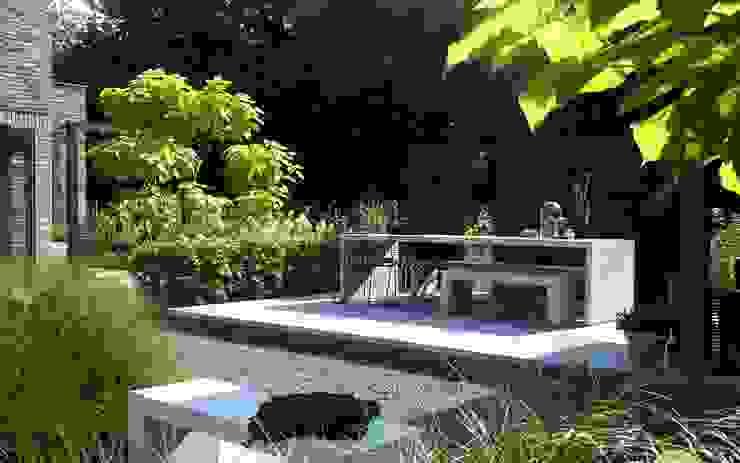 Stoer terras met modern meubilair Moderne tuinen van Stoop Tuinen Modern