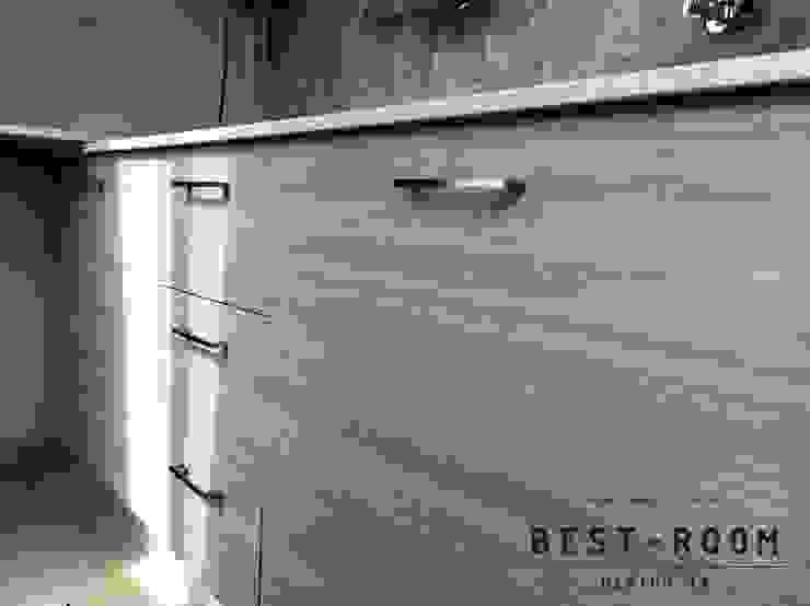 ชุดครัวไม้จริง Top หิน สไตล์โมเดิร์น: ทันสมัย  โดย Best Room Design 19, โมเดิร์น ไม้จริง Multicolored