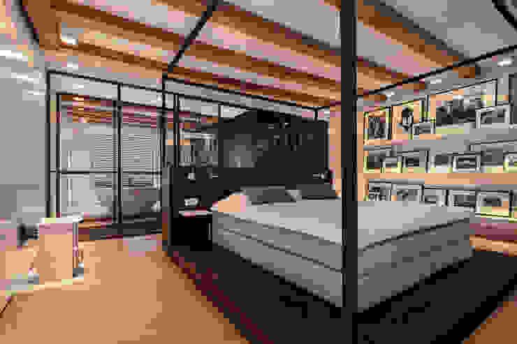 ห้องนอน โดย Studio RUIM, โมเดิร์น ไม้ Wood effect