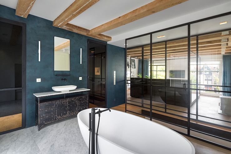 Modern style bathrooms by Studio RUIM Modern