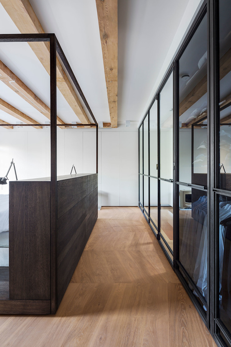 Een hemelbed in het paradijs Moderne slaapkamers van Sigrid van Kleef & René van der Leest - Studio Ruim Modern Metaal