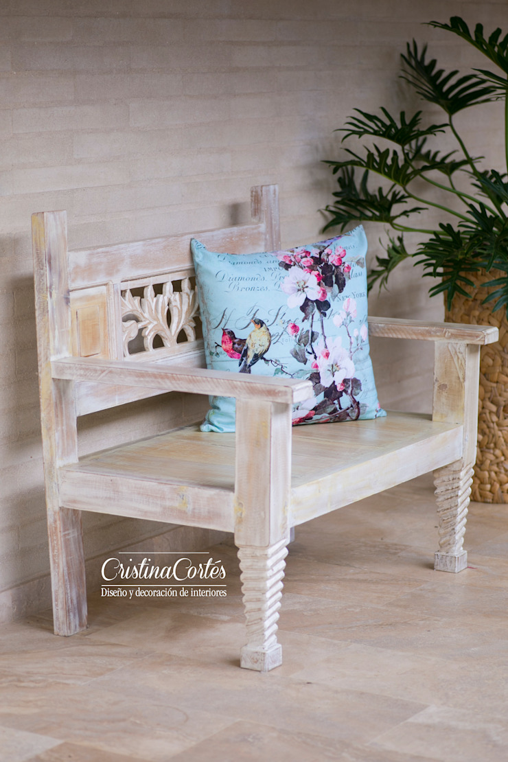 Cristina Cortés Diseño y Decoración Corridor, hallway & stairs Seating Wood Wood effect