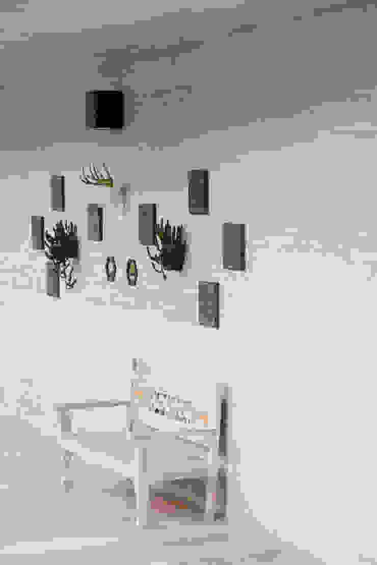 Cristina Cortés Diseño y Decoración Corridor, hallway & stairs Seating