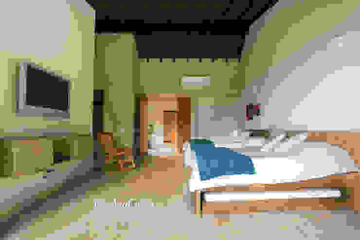 غرفة نوم تنفيذ Cristina Cortés Diseño y Decoración ,