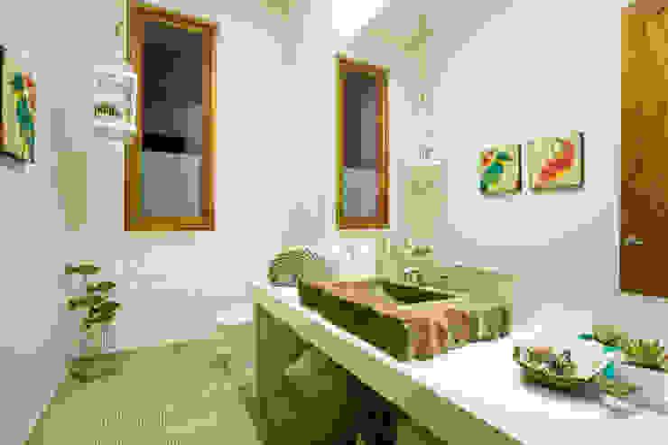 حمام تنفيذ Cristina Cortés Diseño y Decoración ,