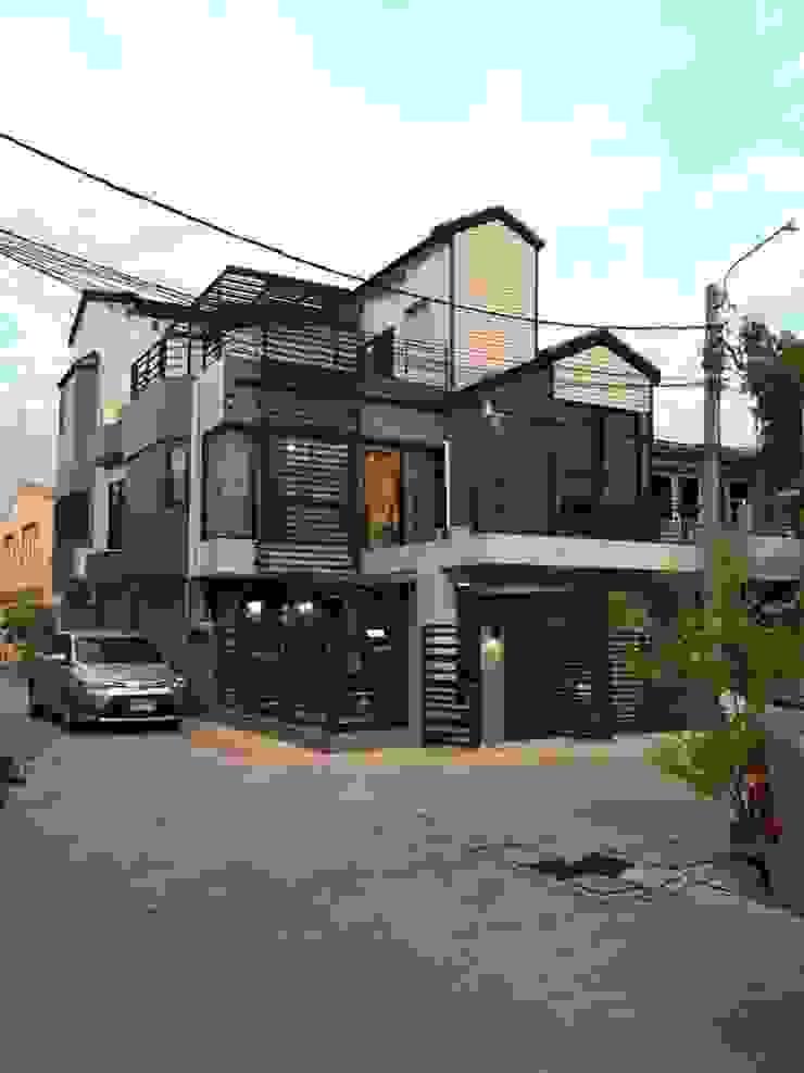 สายรุ้งรีโนเวท Moderne Häuser Beton Braun