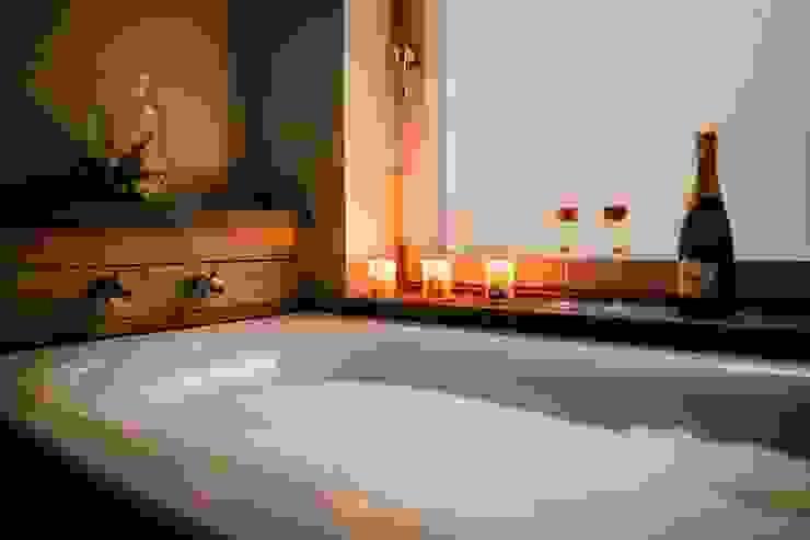 Treasure House, Polzeath | Cornwall Rustic style bathroom by Perfect Stays Rustic