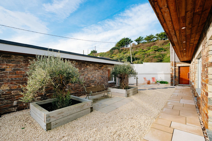 Treasure House, Polzeath | Cornwall Rumah Modern Oleh Perfect Stays Modern