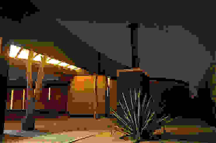 Casa Estudio Sabinos - Juan Carlos Loyo Arquitectura Casas clásicas de Juan Carlos Loyo Arquitectura Clásico