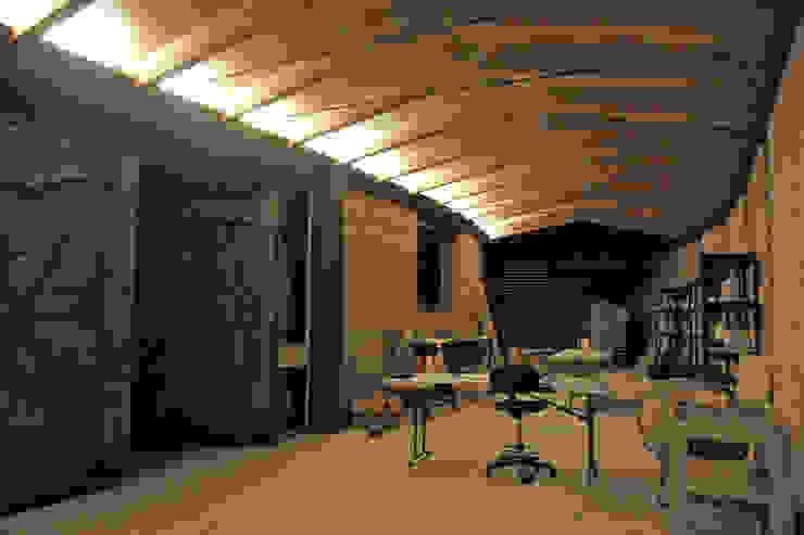 Casa Estudio Sabinos - Juan Carlos Loyo Arquitectura Comedores modernos de Juan Carlos Loyo Arquitectura Moderno
