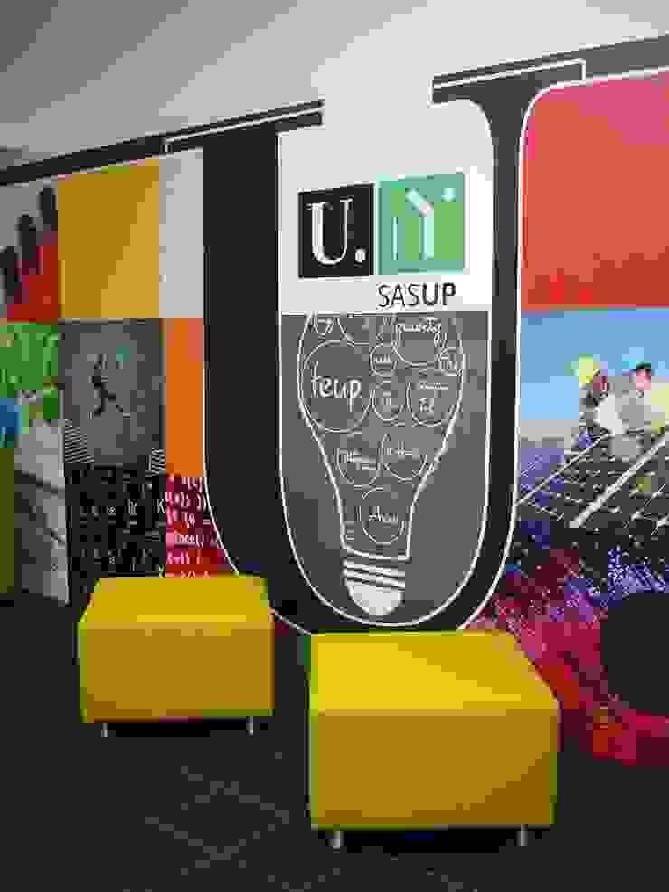 Mobiliário e decoração Escolas modernas por Área77 - arquitectura, engenharia e design, lda Moderno